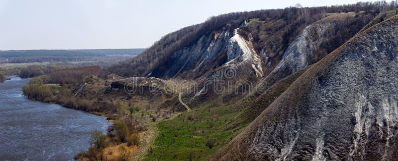 Κρητιδικά βουνά στις όχθεις του Don ποταμού στοκ εικόνες