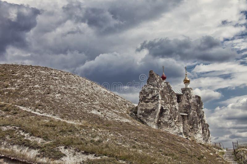 Κρητιδική Ορθόδοξη Εκκλησία μοναστηριών Kostomarovsky Spassky βράχων στοκ εικόνα με δικαίωμα ελεύθερης χρήσης