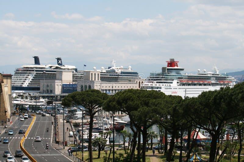 Κρουαζιέρες της Νάπολης στοκ φωτογραφίες