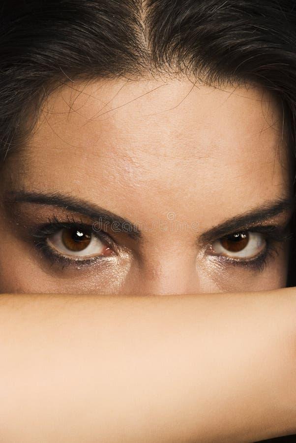 κρυμμένη γυναίκα στοκ φωτογραφία
