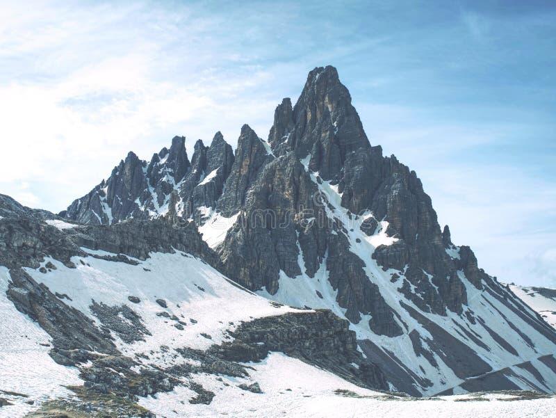 Κρύος καιρός Paterno Monte την άνοιξη Σειρά CIME Tre στοκ εικόνες
