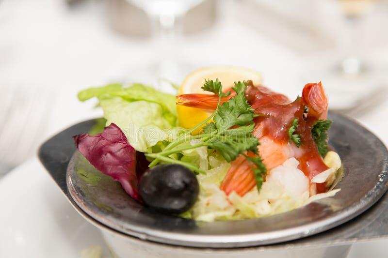 Κρύο κοκτέιλ γαρίδων με τη σάλτσα στοκ φωτογραφία με δικαίωμα ελεύθερης χρήσης