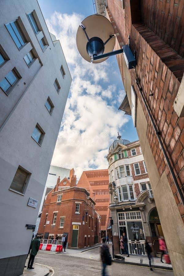 Κτήρια πανεπιστημιουπόλεων στη σχολή του Λονδίνου των οικονομικών στοκ φωτογραφίες