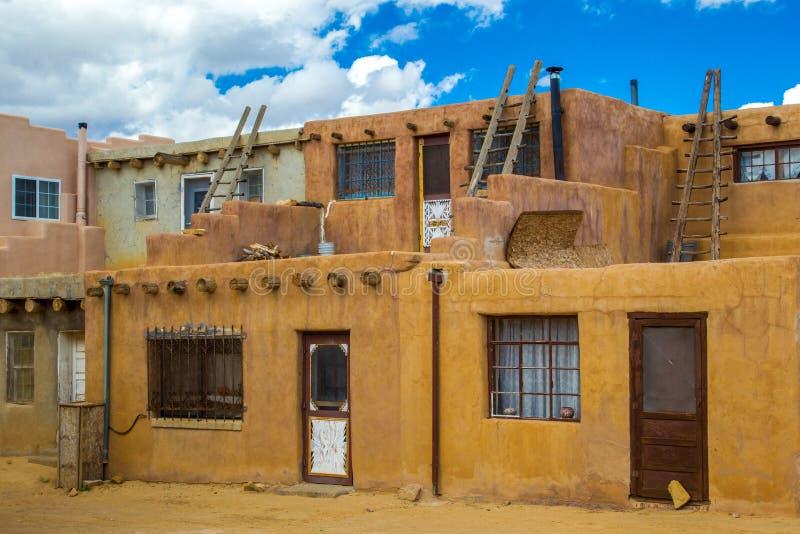 Κτήρια Pueblo στοκ εικόνα