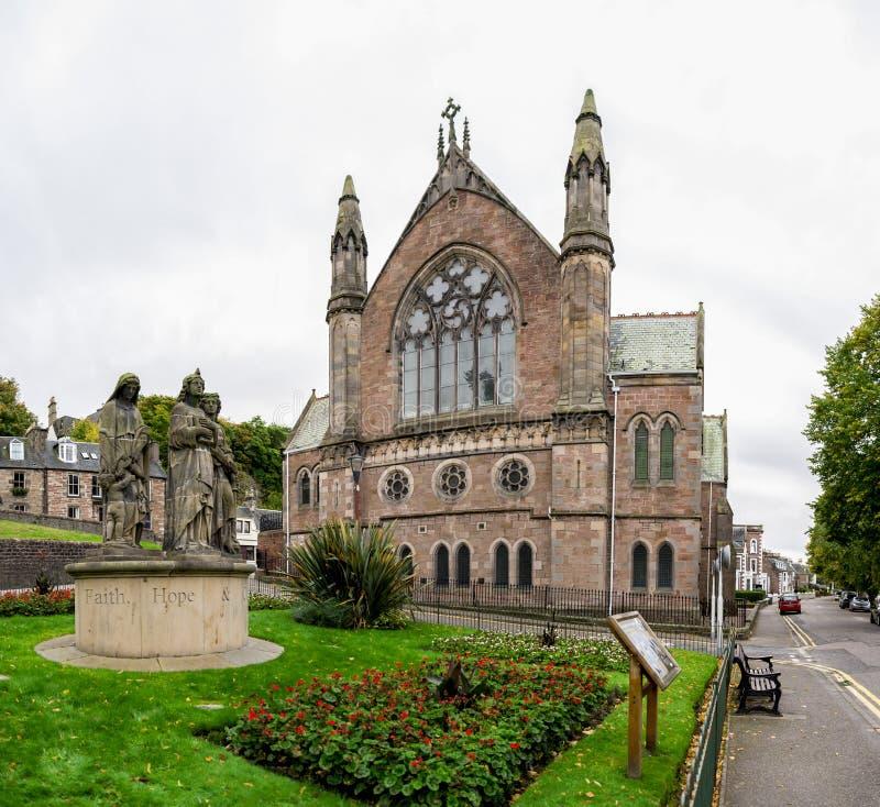 Κτήριο εκκλησιών τράπεζας της Ness στο κέντρο της πόλης της Iνβερνές, Σκωτία στοκ φωτογραφίες