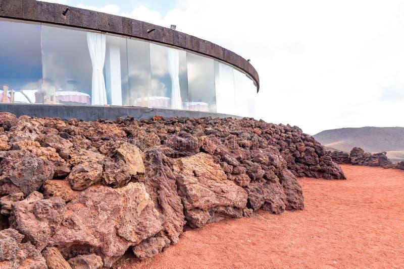 Κτήριο εστιατορίων με τα αναμνηστικά του εθνικού πάρκου Timanfaya, νησί Lanzarote, Κανάρια νησιά, Ισπανία στοκ εικόνα με δικαίωμα ελεύθερης χρήσης