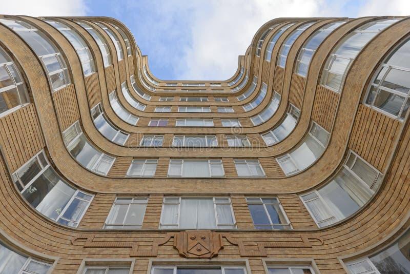 Κτήριο διαμερισμάτων του Art Deco στοκ φωτογραφία με δικαίωμα ελεύθερης χρήσης