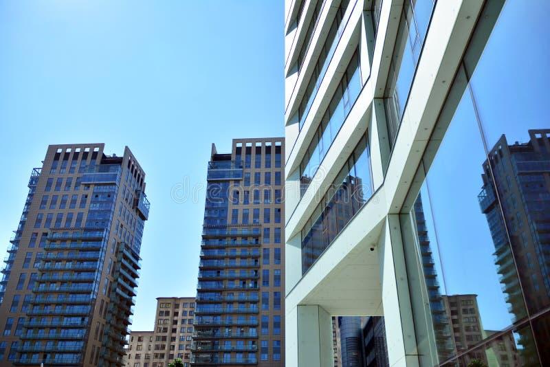 Κτήριο ουρανοξυστών κατά τη διάρκεια της οικοδόμησης στοκ φωτογραφία