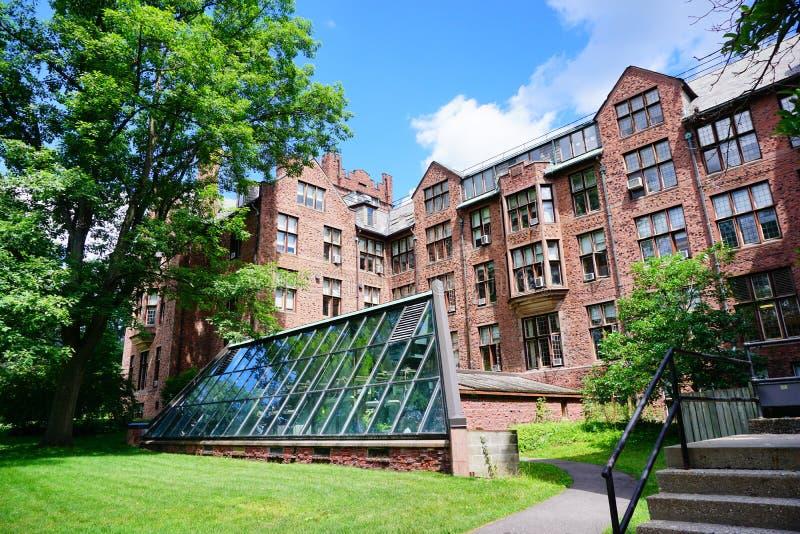 Κτήριο πανεπιστημιουπόλεων κολλεγίου ΑΜ Holyoke στοκ εικόνες
