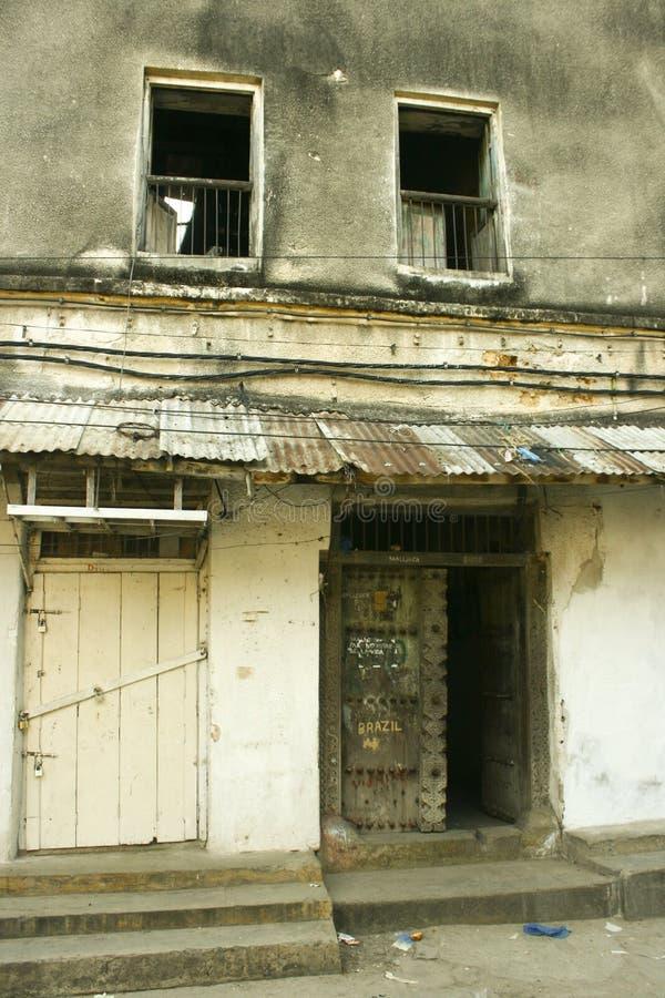 κτήριο που εγκαταλείπε στοκ εικόνες