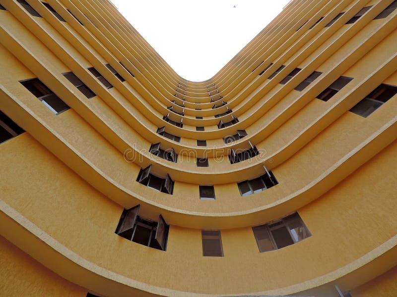 Download κτήριο που κατασκευάζ&epsilon Στοκ Εικόνες - εικόνα από πύργος, κυρτός: 62724058