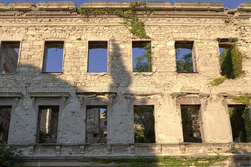 Κτήριο που καταστρέφεται στο βοσνιακό πόλεμο στοκ εικόνες