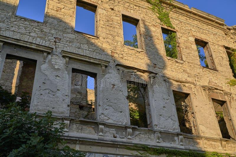 Κτήριο που καταστρέφεται στο βοσνιακό πόλεμο στοκ φωτογραφία με δικαίωμα ελεύθερης χρήσης