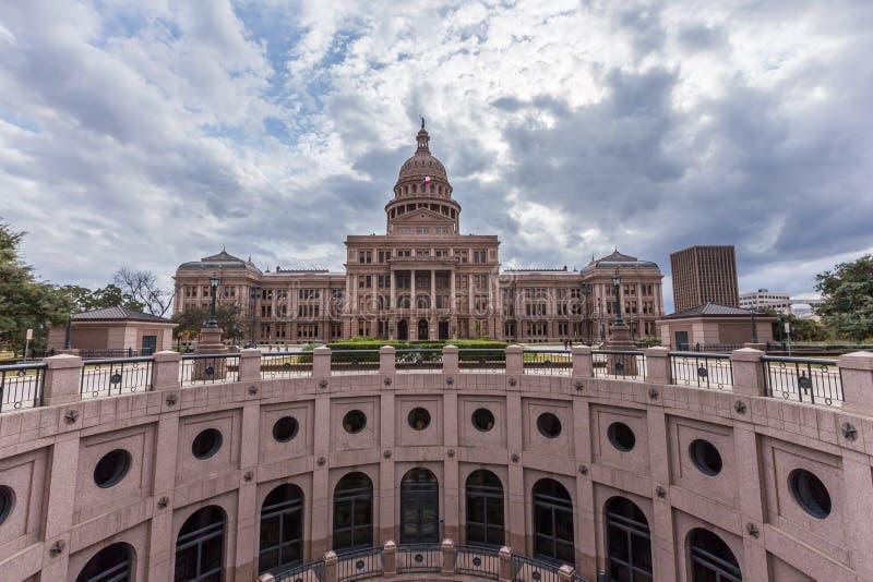 Κτήριο πρωτεύουσας του Τέξας στη νεφελώδη ημέρα, Ώστιν στοκ φωτογραφίες