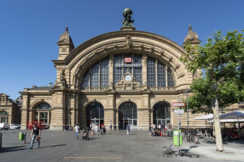 Κτήριο σιδηροδρομικών σταθμών της Φρανκφούρτης Hauptbahnhof στοκ φωτογραφίες