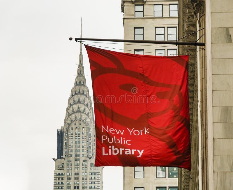 Κτήριο Chrysler και δημόσια βιβλιοθήκη της Νέας Υόρκης στοκ εικόνες με δικαίωμα ελεύθερης χρήσης