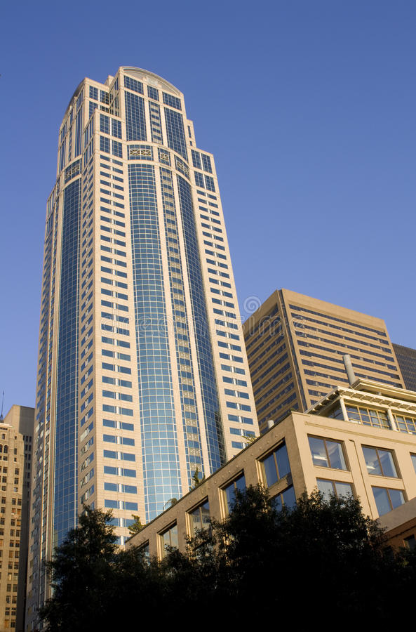 Κτίριο γραφείων, σύγχρονη αρχιτεκτονική στοκ εικόνα με δικαίωμα ελεύθερης χρήσης
