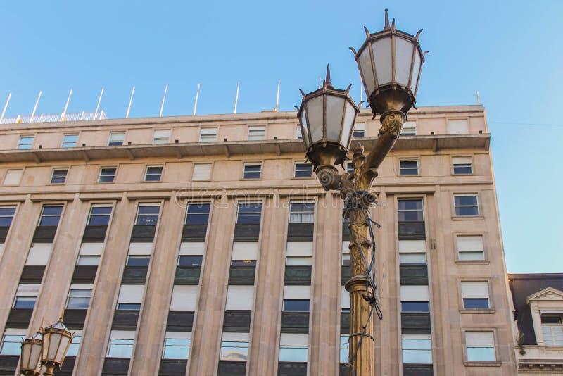 Κτίριο Vintage με Lamppost Detail Independent στοκ φωτογραφίες με δικαίωμα ελεύθερης χρήσης