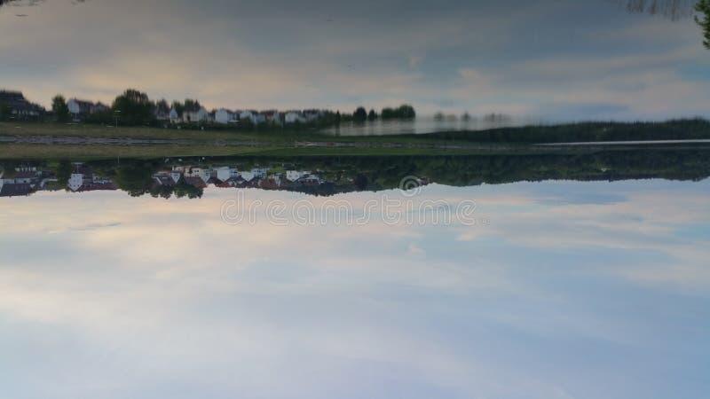 Κτυπημένη λίμνη καθρεφτών στοκ εικόνα