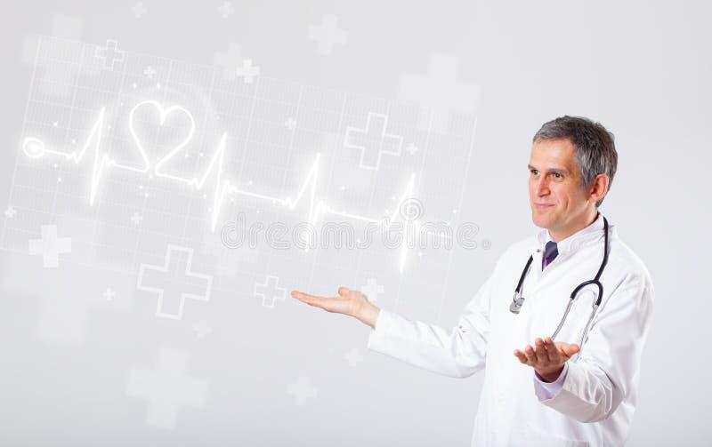 Κτύπος της καρδιάς γιατρών examinates με την αφηρημένη καρδιά στοκ φωτογραφία με δικαίωμα ελεύθερης χρήσης