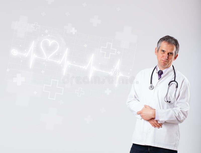 Κτύπος της καρδιάς γιατρών examinates με την αφηρημένη καρδιά στοκ φωτογραφίες