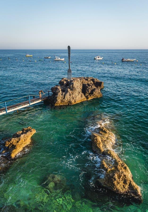 Κυανή θάλασσα σε Dhermi, Αλβανία στοκ φωτογραφία με δικαίωμα ελεύθερης χρήσης