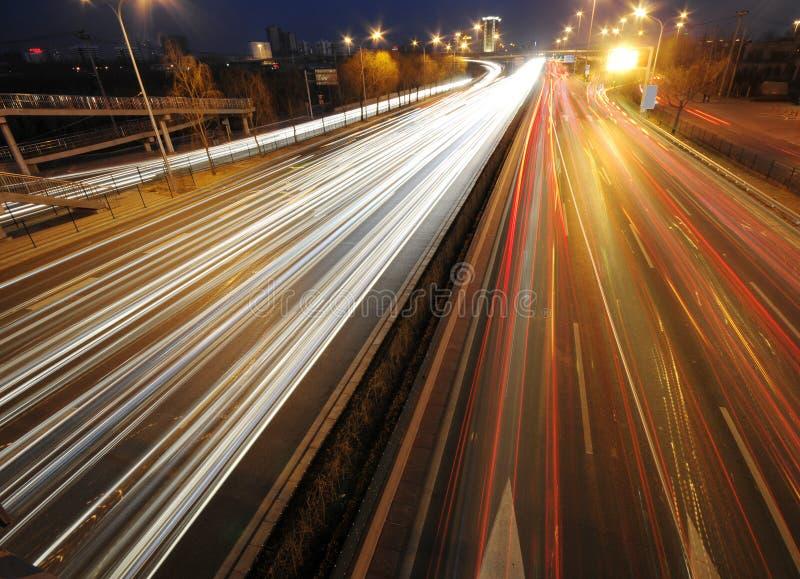 κυκλοφορία νύχτας πόλεω&n στοκ φωτογραφίες