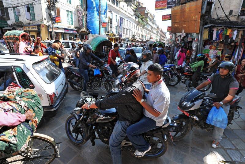 Κυκλοφοριακή συμφόρηση και ατμοσφαιρική ρύπανση στο κεντρικό Κατμαντού στοκ φωτογραφία με δικαίωμα ελεύθερης χρήσης