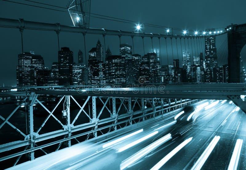 Κυκλοφορία αυτοκινήτων στη γέφυρα του Μπρούκλιν στη Νέα Υόρκη - ΗΠΑ στοκ φωτογραφία με δικαίωμα ελεύθερης χρήσης