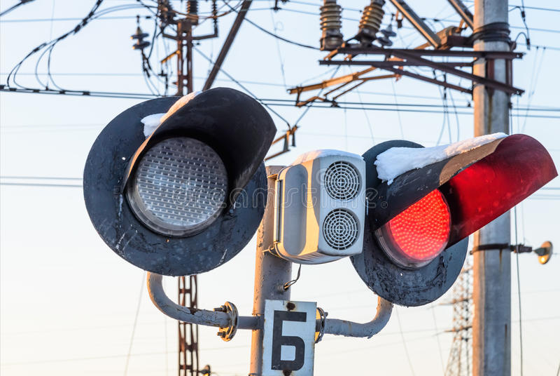 Κυκλοφορία σιδηροδρόμων που απαγορεύει την κυκλοφορία στο οδικό ταξίδι στοκ εικόνες