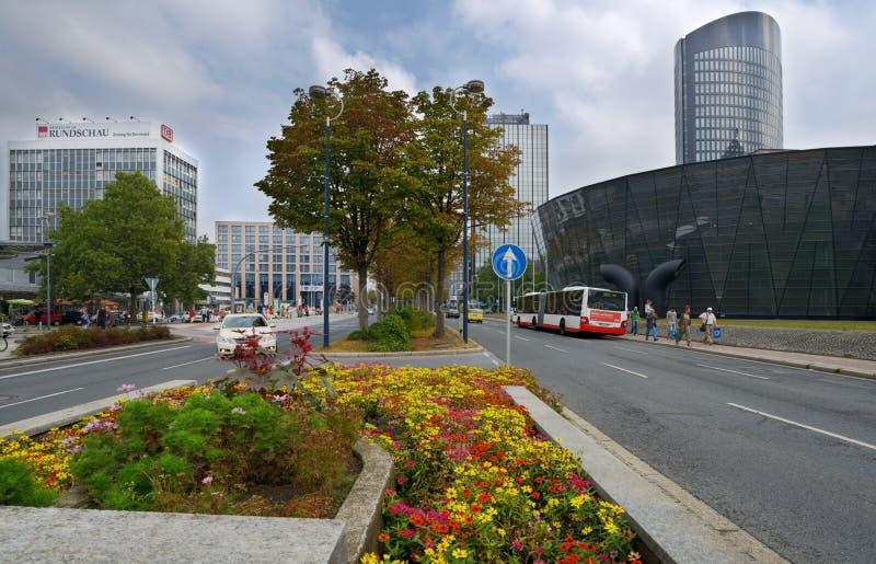 Κυκλοφορία στην οδό Konigswall στο Ντόρτμουντ, Γερμανία στοκ εικόνες