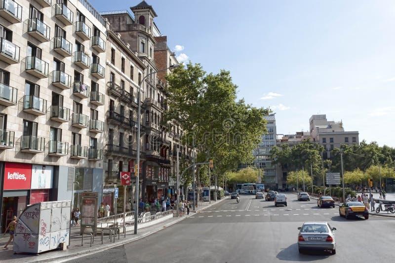 Κυκλοφορία στις οδούς της Βαρκελώνης στοκ φωτογραφία με δικαίωμα ελεύθερης χρήσης
