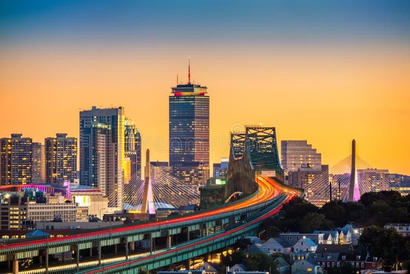 Κυκλοφορία ώρας κυκλοφοριακής αιχμής στη γέφυρα Tobin στη Βοστώνη στοκ φωτογραφίες