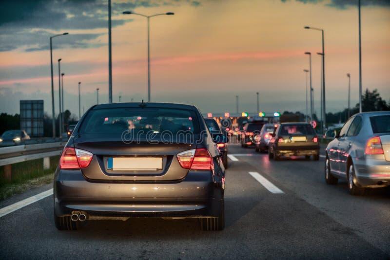 Κυκλοφοριακή συμφόρηση σε έναν αυτοκινητόδρομο στοκ εικόνα