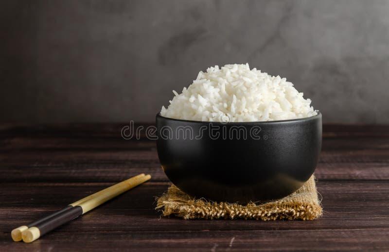 κυλήστε chopsticks το ρύζι στοκ φωτογραφίες με δικαίωμα ελεύθερης χρήσης