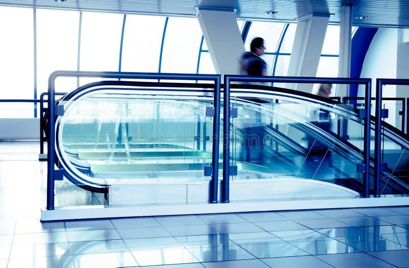 κυλιόμενες σκάλες εμπ&omicr στοκ εικόνες