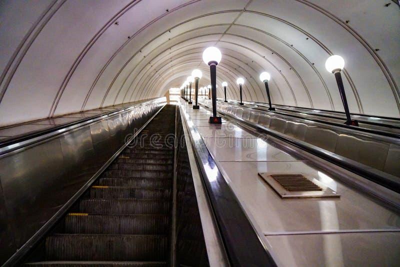 Κυλιόμενες σκάλες μετρό, Ρωσία στοκ εικόνα