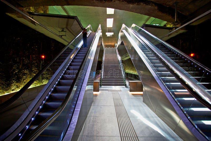 Κυλιόμενες σκάλες στο σταθμό τραμ ZAR Genil Alcà ¡, Γρανάδα στοκ εικόνα με δικαίωμα ελεύθερης χρήσης