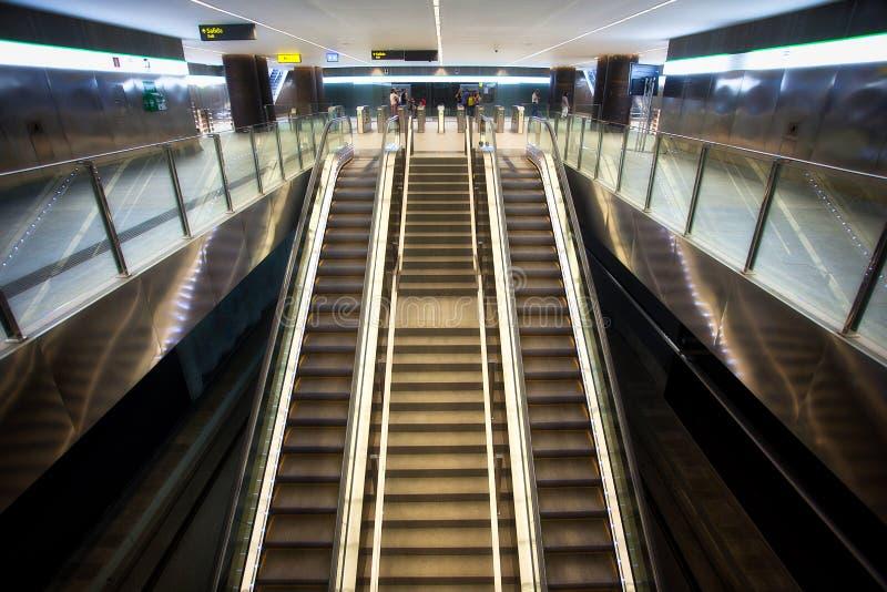 Κυλιόμενες σκάλες στο σταθμό τραμ ZAR Genil Alcà ¡, Γρανάδα στοκ φωτογραφία