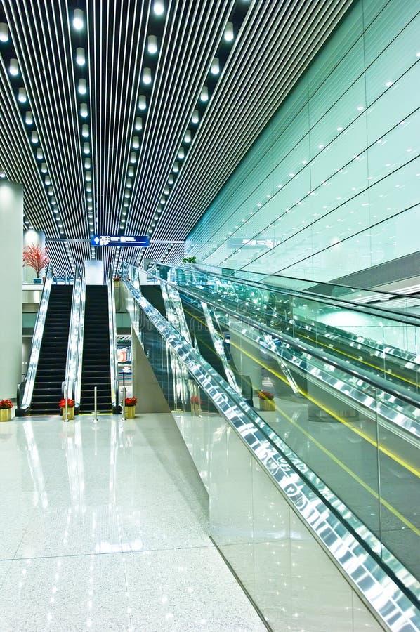 κυλιόμενες σκάλες στοκ εικόνες με δικαίωμα ελεύθερης χρήσης