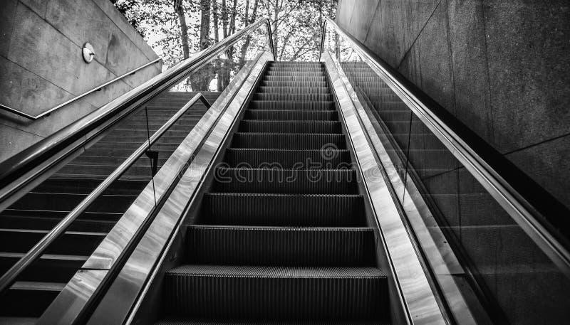 Κυλιόμενη σκάλα για τους ανθρώπους στοκ φωτογραφίες