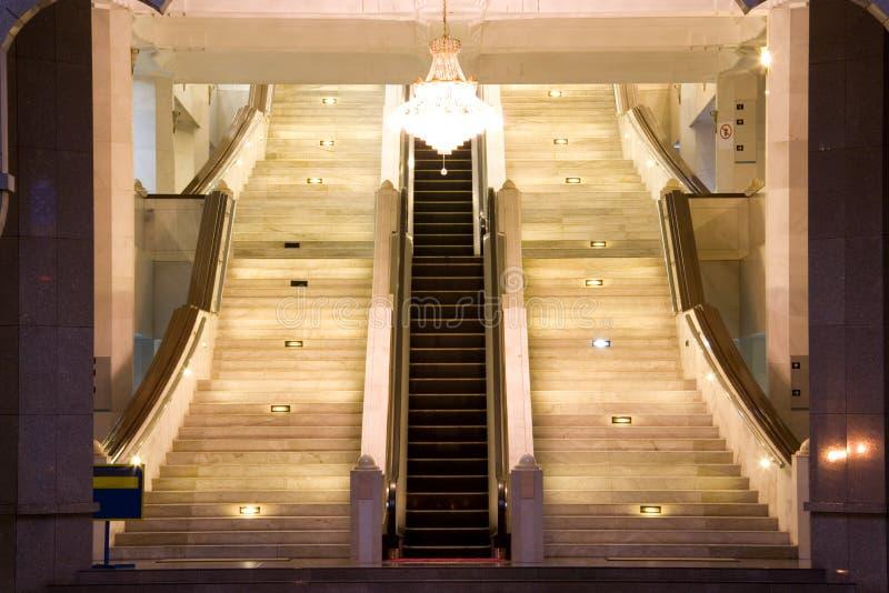 Κυλιόμενη σκάλα και κλιμακοστάσια στοκ φωτογραφία με δικαίωμα ελεύθερης χρήσης