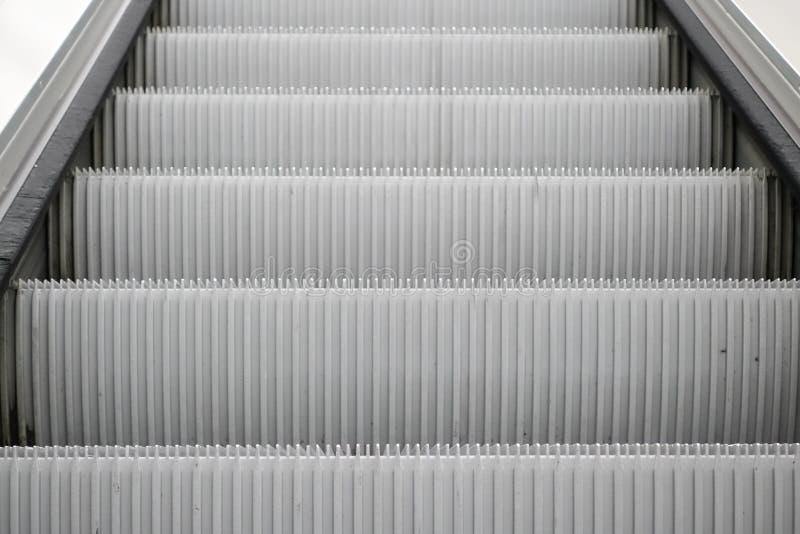 Κυλιόμενη σκάλα στον αερολιμένα του Μόναχου στοκ φωτογραφίες