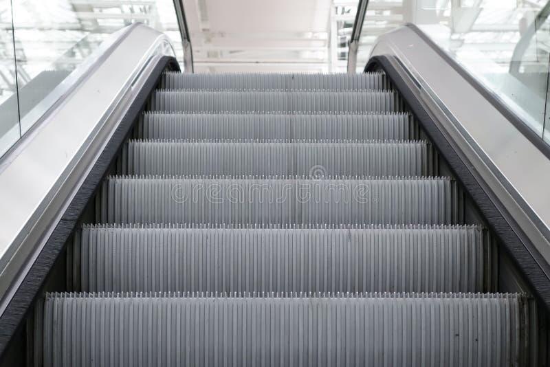 Κυλιόμενη σκάλα στον αερολιμένα του Μόναχου στοκ φωτογραφία με δικαίωμα ελεύθερης χρήσης