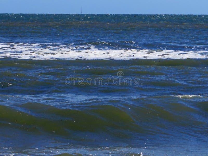 Κυλώντας κύματα Ιρλανδία στοκ φωτογραφίες