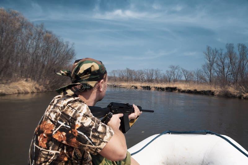 κυνηγός βαρκών χαρτονιών στοκ φωτογραφία με δικαίωμα ελεύθερης χρήσης