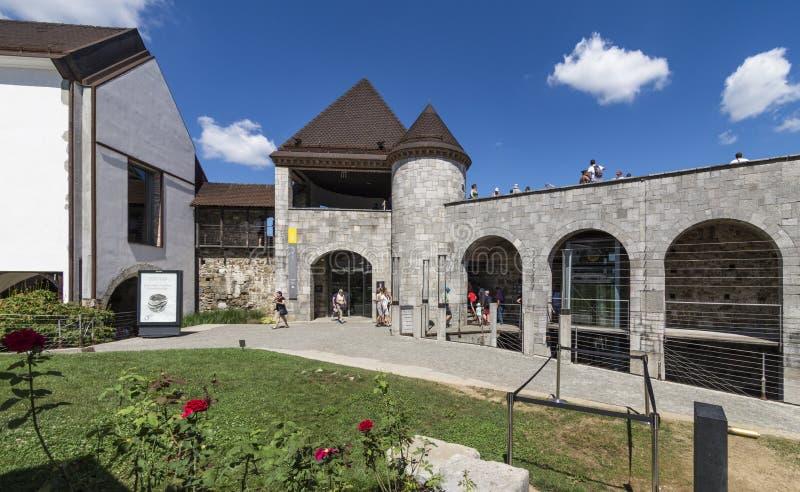 Κυρία είσοδος μέσω drawbridge του Λουμπλιάνα Castle, Σλοβενία στοκ φωτογραφία με δικαίωμα ελεύθερης χρήσης