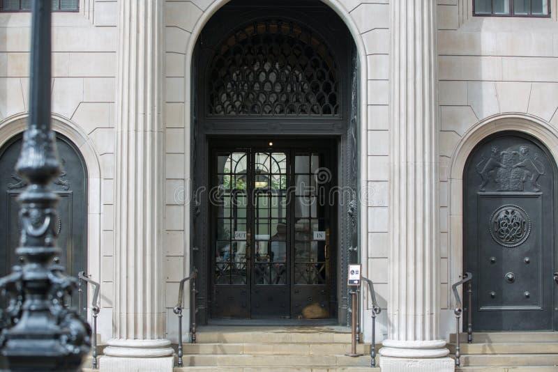 Κυρία είσοδος του ΛΟΝΔΙΝΟΥ, Τράπεζα της Αγγλίας στοκ φωτογραφίες με δικαίωμα ελεύθερης χρήσης