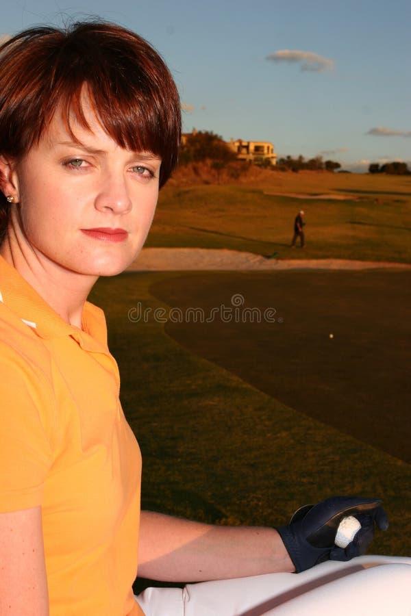 κυρία παικτών γκολφ στοκ εικόνα με δικαίωμα ελεύθερης χρήσης