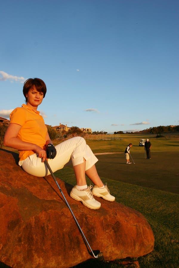 κυρία παικτών γκολφ στοκ φωτογραφία με δικαίωμα ελεύθερης χρήσης
